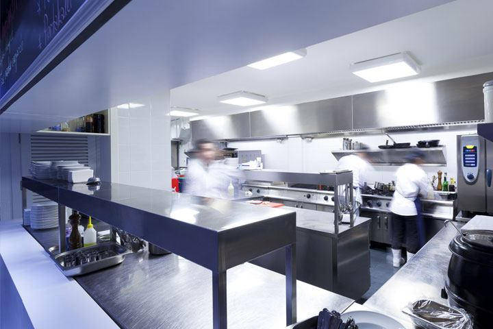 Tavolo Da Lavoro Per Estetista : Tavoli da lavori in cucina dove trovare i migliori laboratorio
